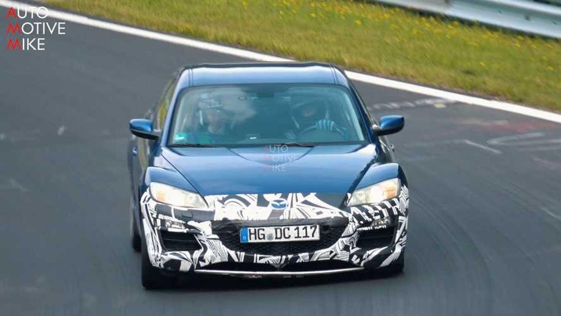 Que fait cette Mazda RX-8 sur la Nordschleife ?