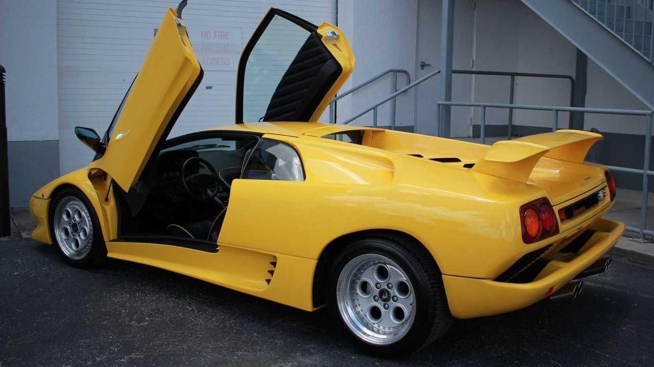 Have A Devil Of A Time In This 1992 Lamborghini Diablo