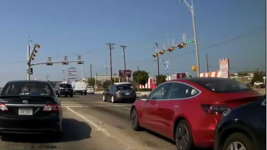 Watch Tesla Model 3 Stop Suddenly, Get Rear Ended: Video