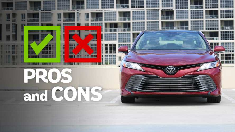 2019 Toyota Camry XLE: Pros And Cons