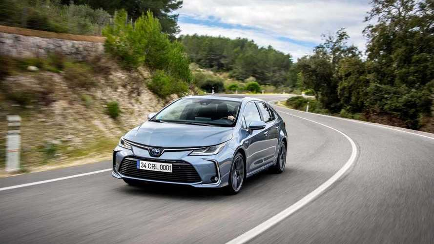 Toyota, sedan modellere olan talepten memnun