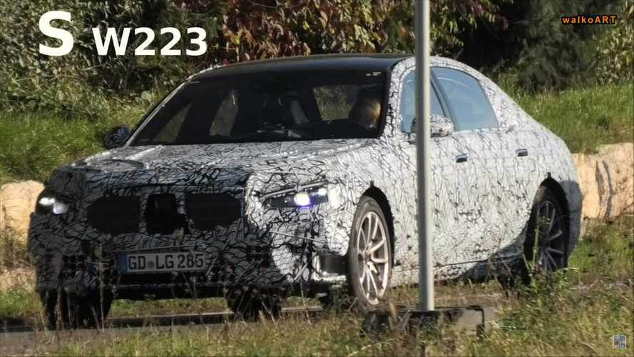 Next-gen Mercedes S-Class, Maybach spied with different door handles