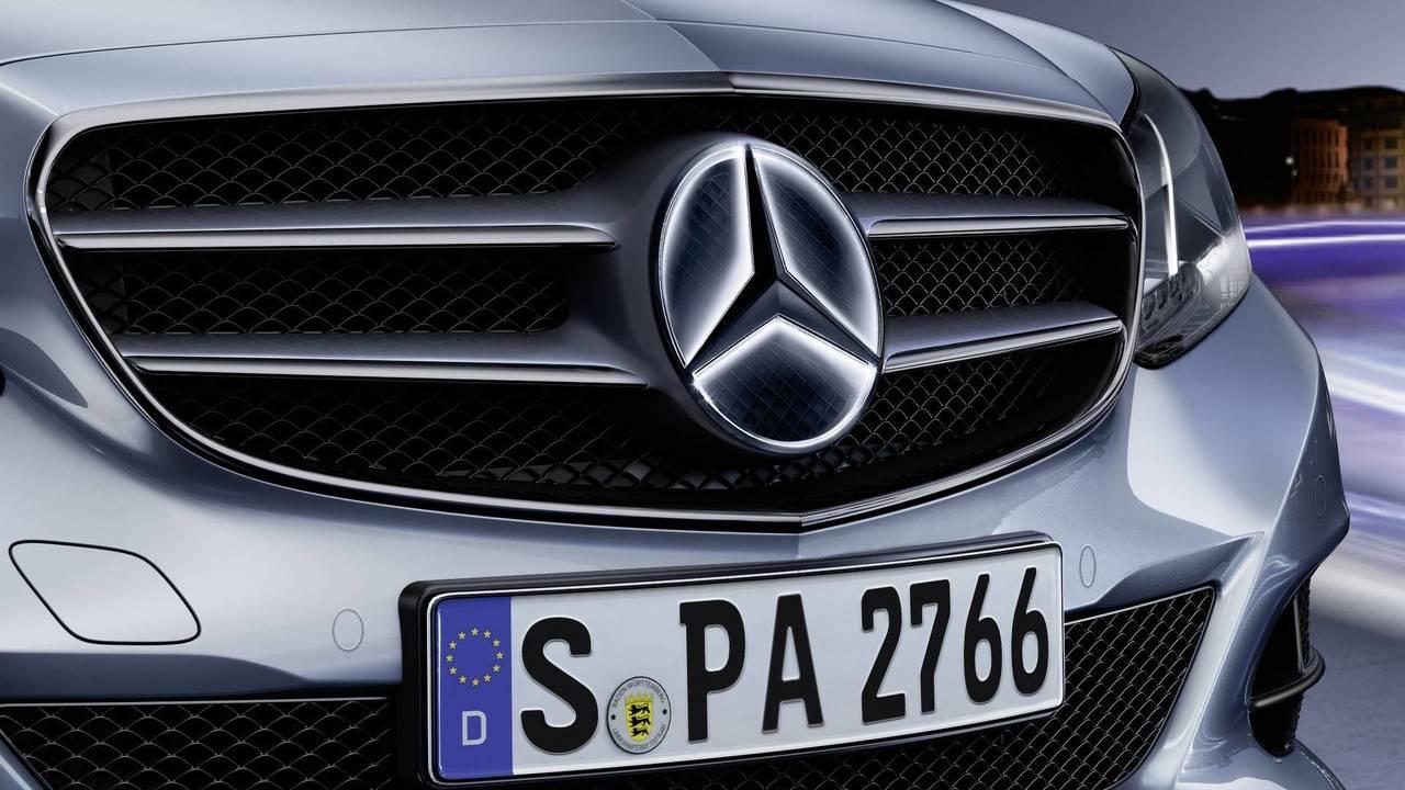 Mercedes megvilágított csillag