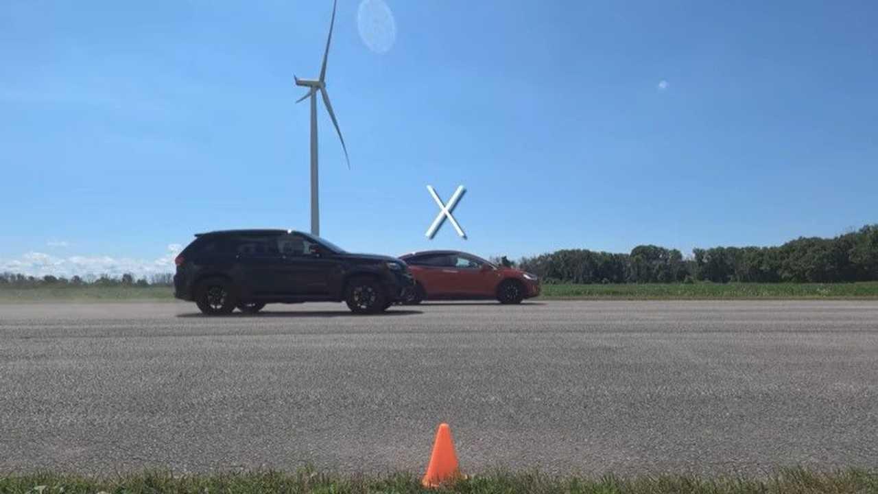 Model X vs Jeep Trackhawk