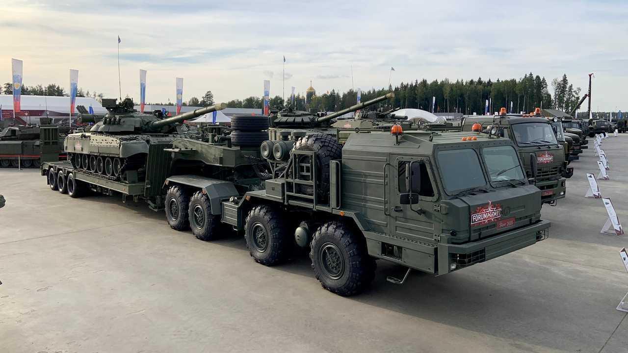 Колесные машины форума «Армия-2020»