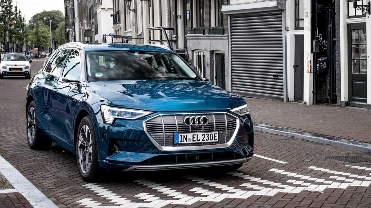 Audi-E-Tron-50-Quattro-2020