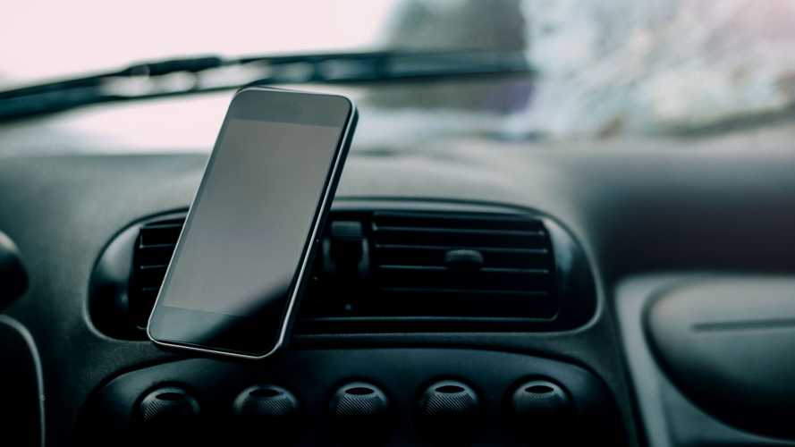 The 5 Best Car Phone Mounts (2020 Review)