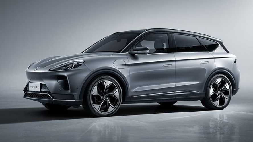 ArcFox Alpha-T Is Another Handsome And Capable New Chinese Electric Crossover