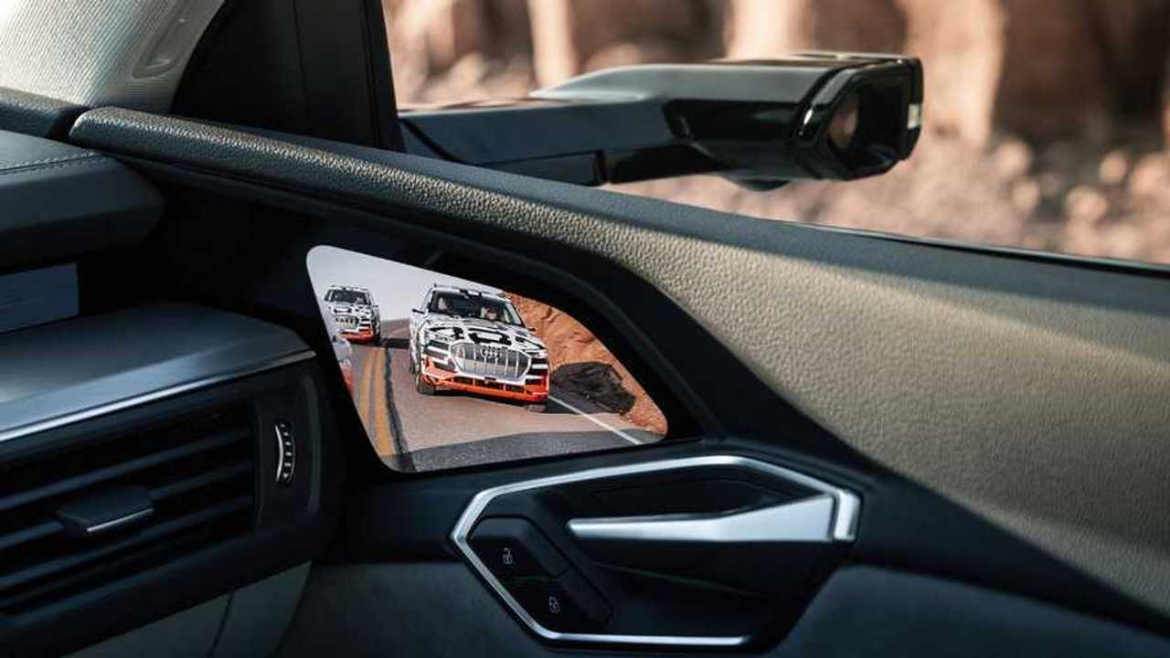 Mantenuta - Retrovisori virtuali Audi 1