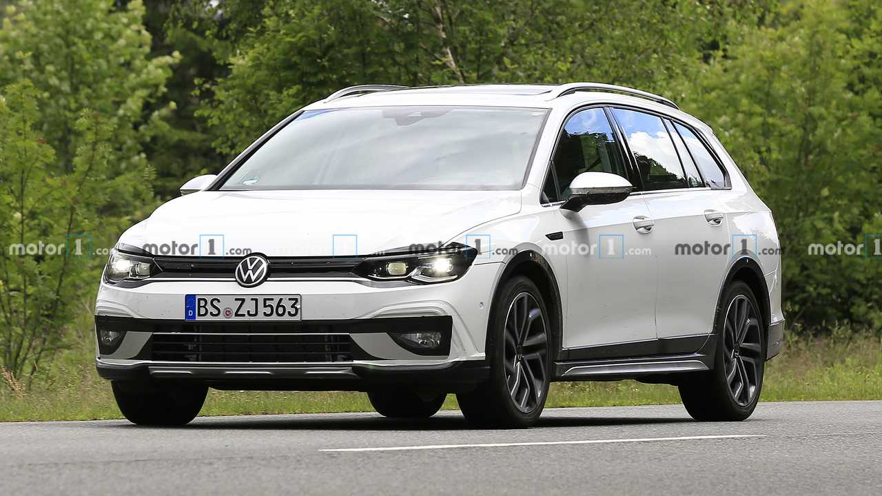 2021 VW Golf Alltrack spy photo