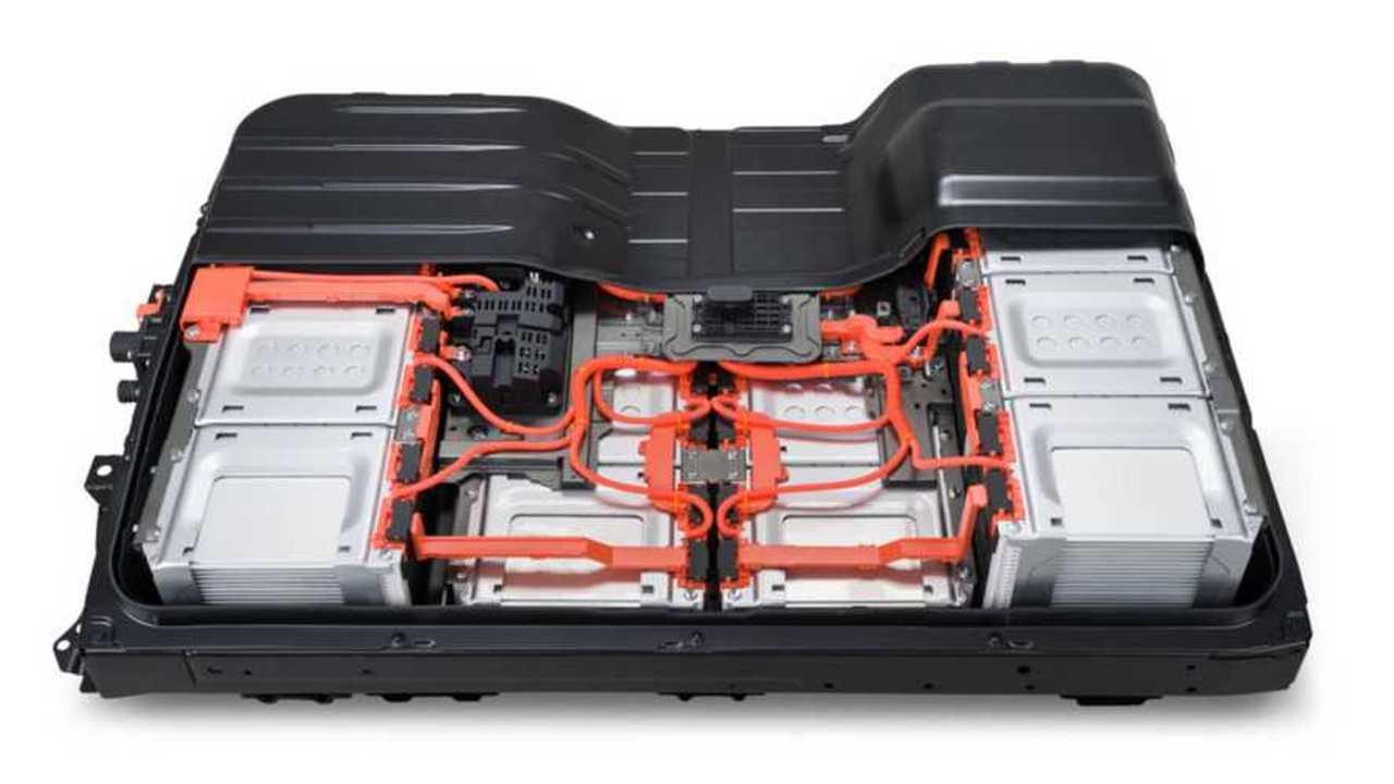 Nissan Leaf получил 62-киловаттную батарею