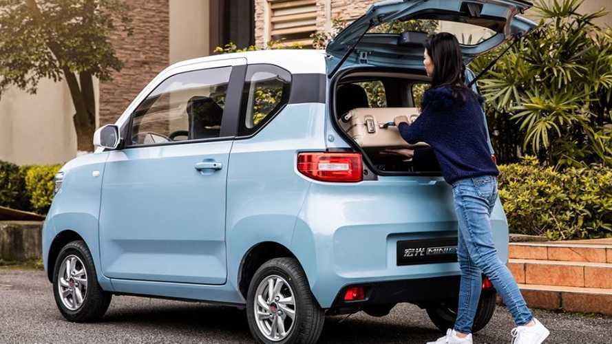 China: Wuling Sold 15,000 Hong Guang MINI EV In August!