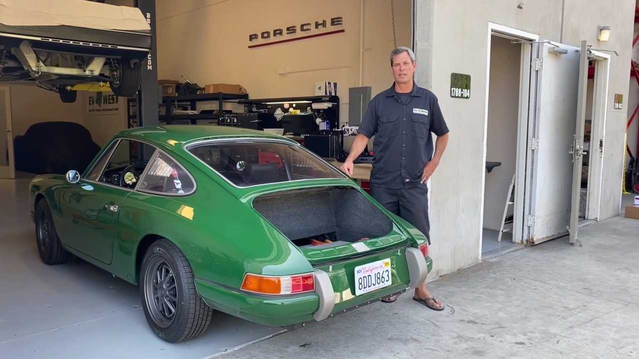 Porsche 911 Tesla motorral