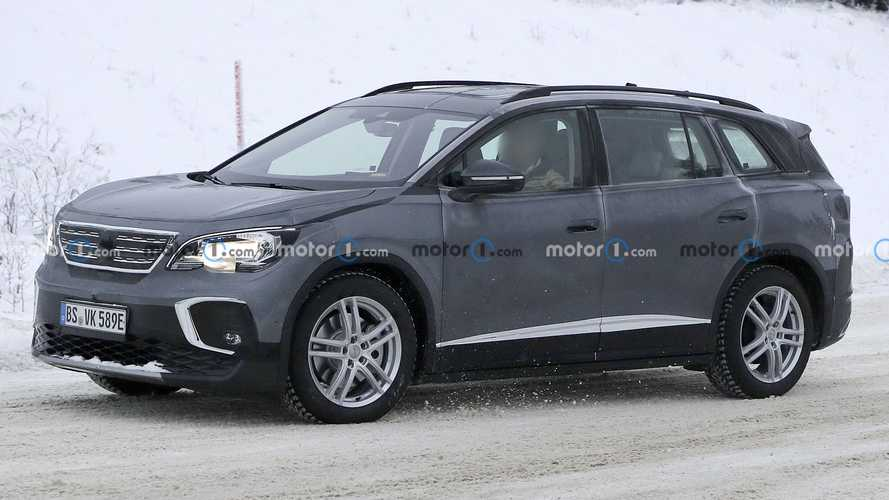 Volkswagen ID.6 EV Crossover Caught Wearing Deceptive Disguise