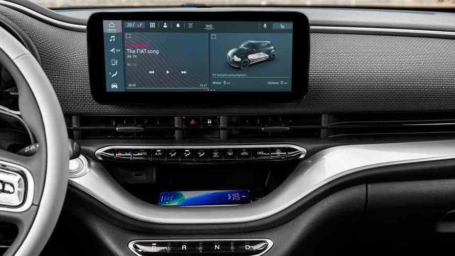La Fiat 500 elettrica viaggia con Amazon Alexa