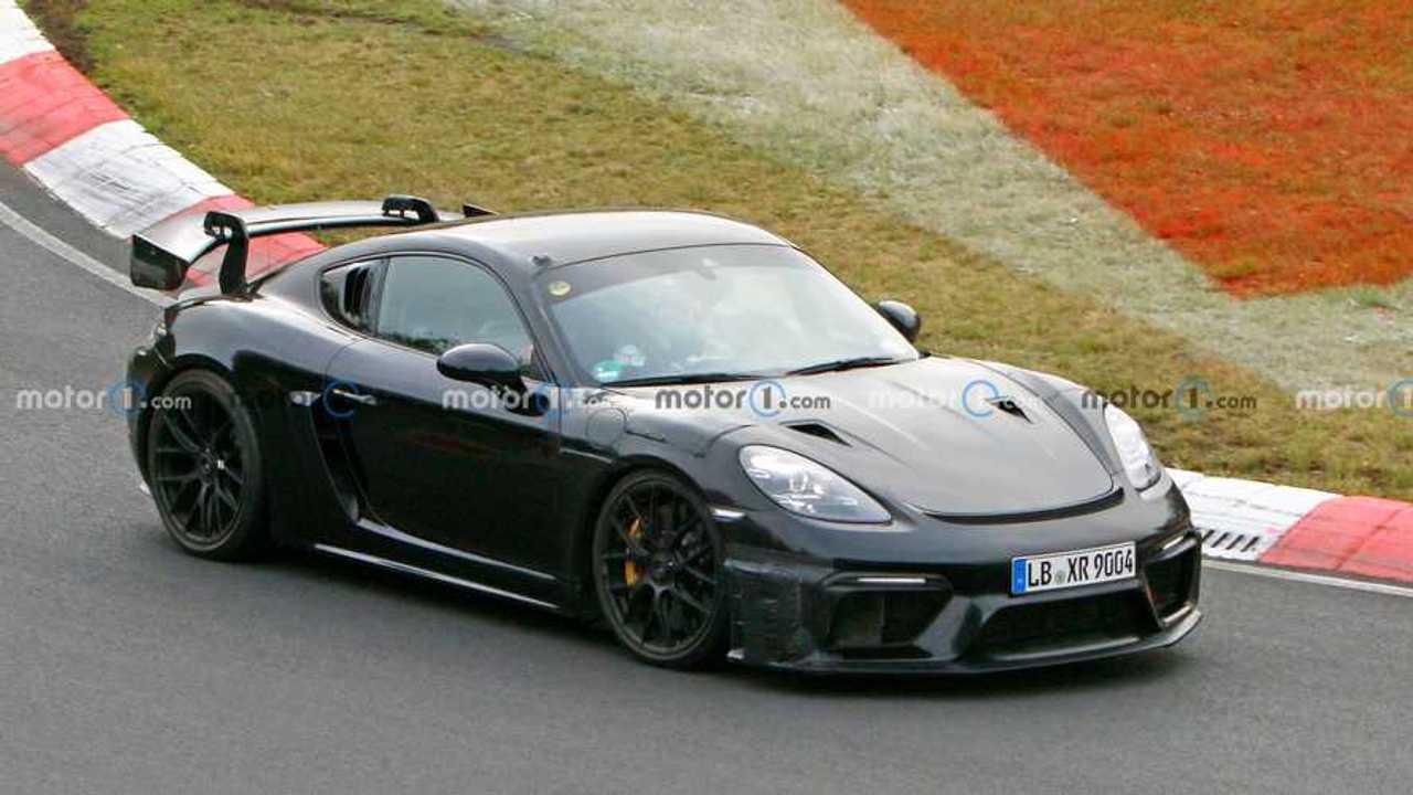 2022 Porsche 718 Cayman GT4 RS spia foto