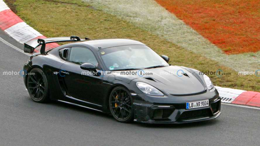 Porsche 718 Cayman GT4 RS, le coupé più estrema è sempre più vicina