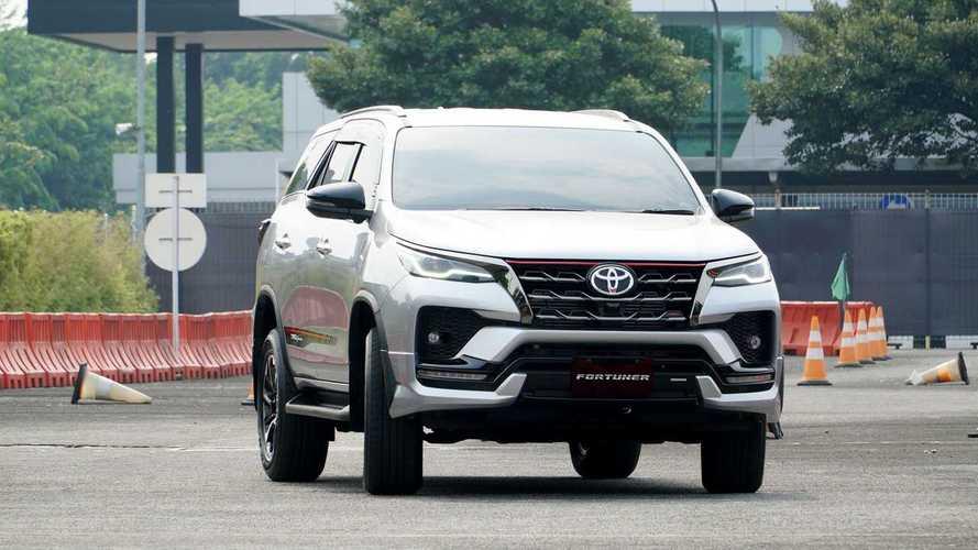 Fitur Keren Mobil Toyota Fortuner Terbaru