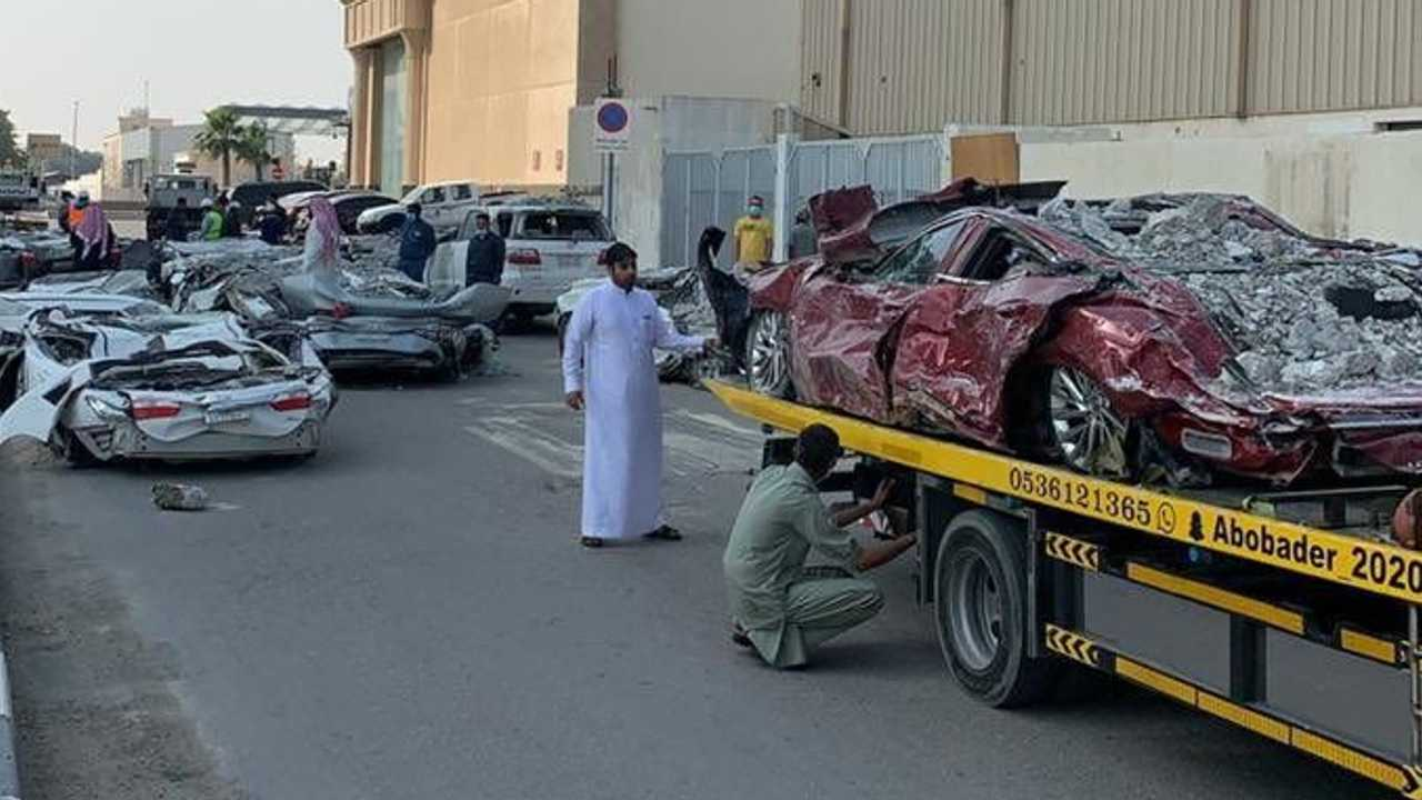 Saudi Parking Tower collapsed