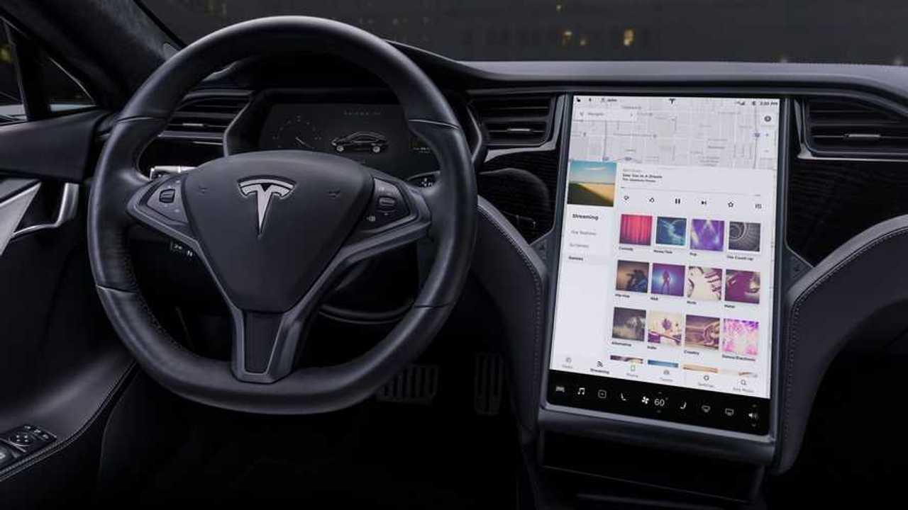 Tesla Model S pleer