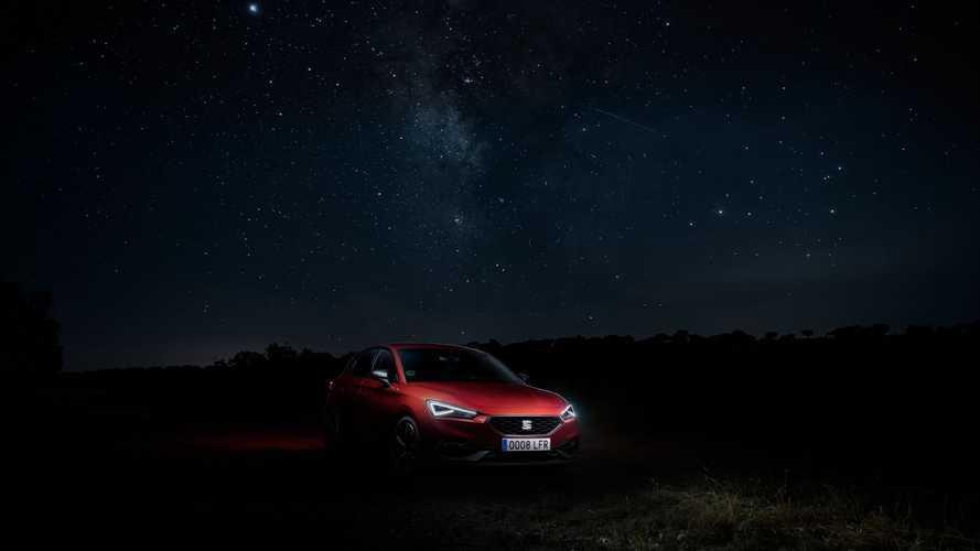 Creare i fari di un'auto è come fotografare le stelle, ecco perché