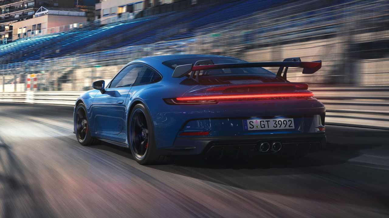 2022 Porsche 911 GT3 Queue