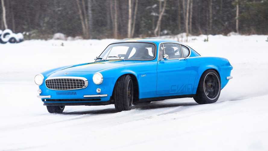Volvo P1800 Cyan In The Snow