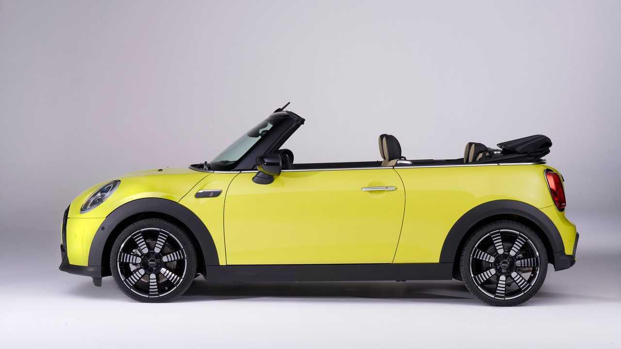 2022 Mini Cooper S Convertible Top Down