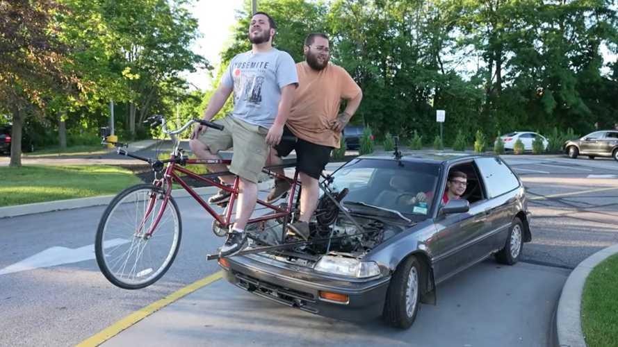 Sıfır emisyonun böylesi: Bisikletle çalışan otomobil!