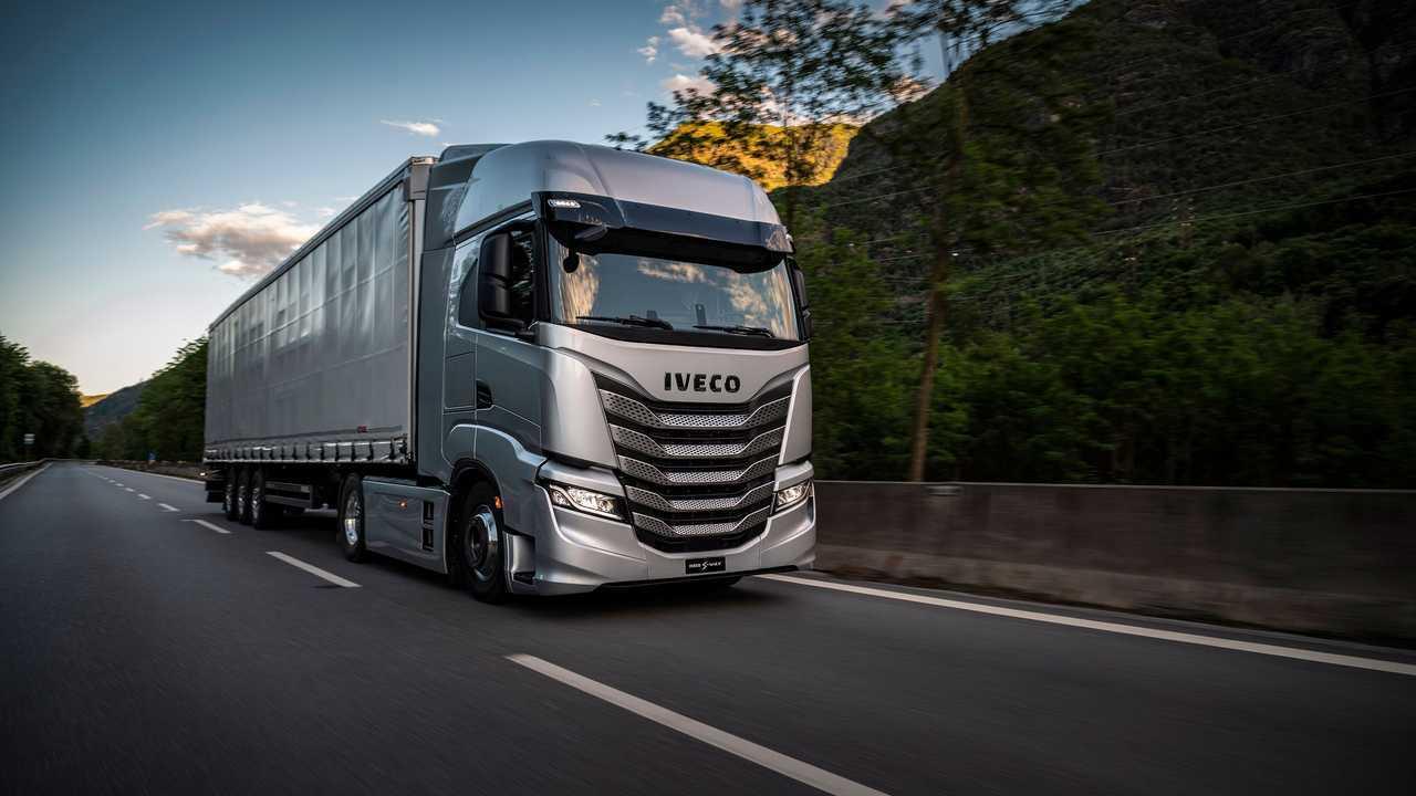 Iveco S-Way 2021