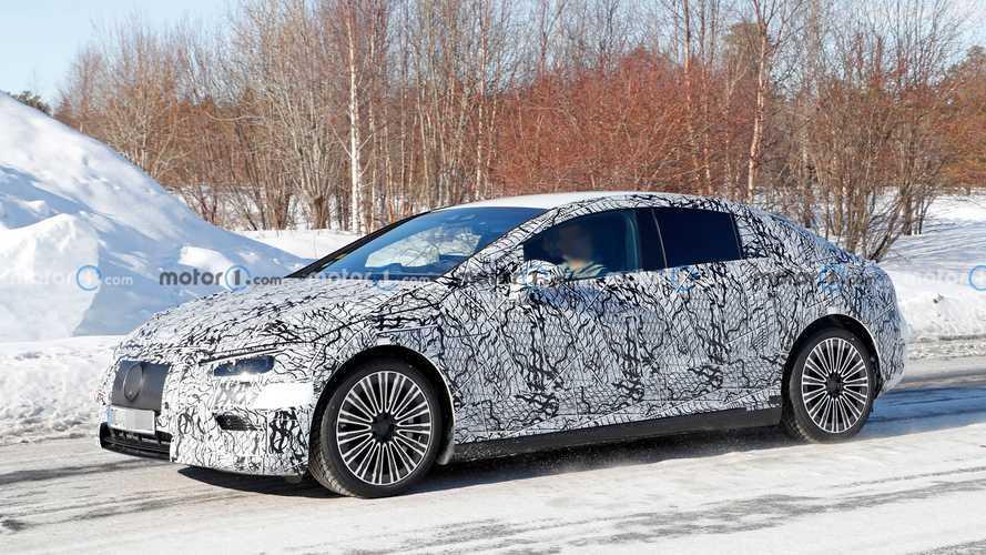 Mercedes-Benz EQE, bir kez daha görüntülendi