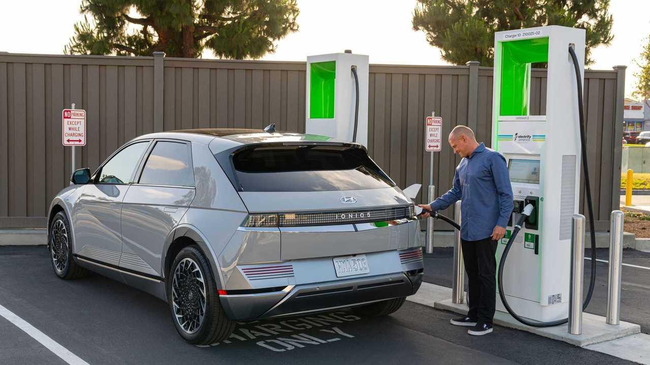 2022 Hyundai Ioniq 5 at Electrify America fast charging station