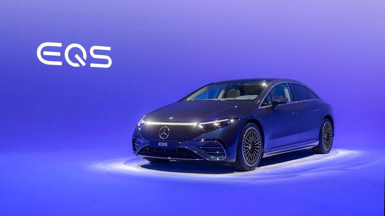 2022 Mercedes-Benz EQS 450 Exterior Front Quarter