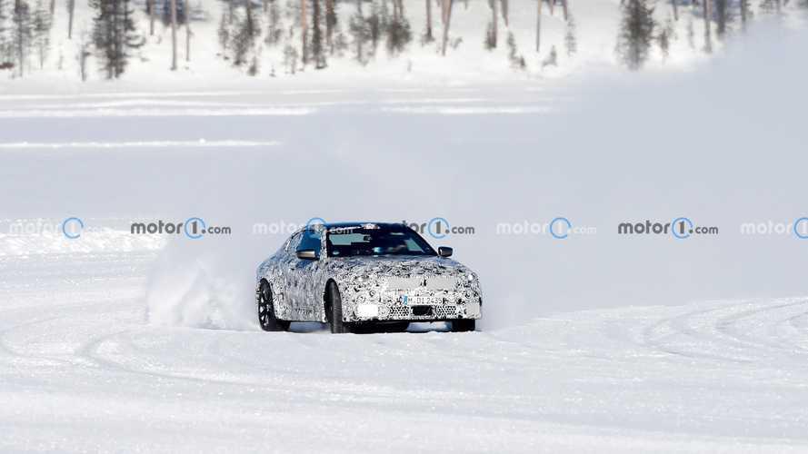 New BMW M2 Coupe spy shots