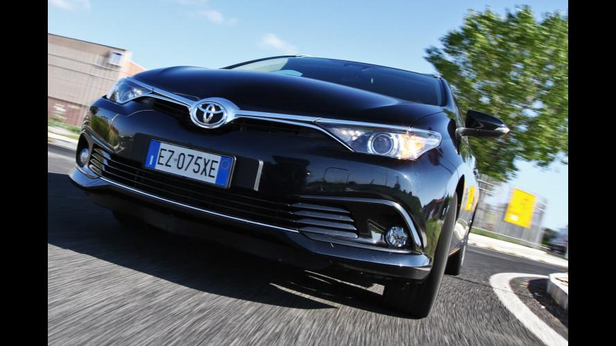 Toyota Auris familiare, c'è spazio per... volare [VIDEO]
