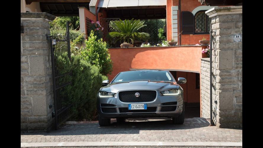 Jaguar XE, quando l'auto si comanda tramite... app [VIDEO]