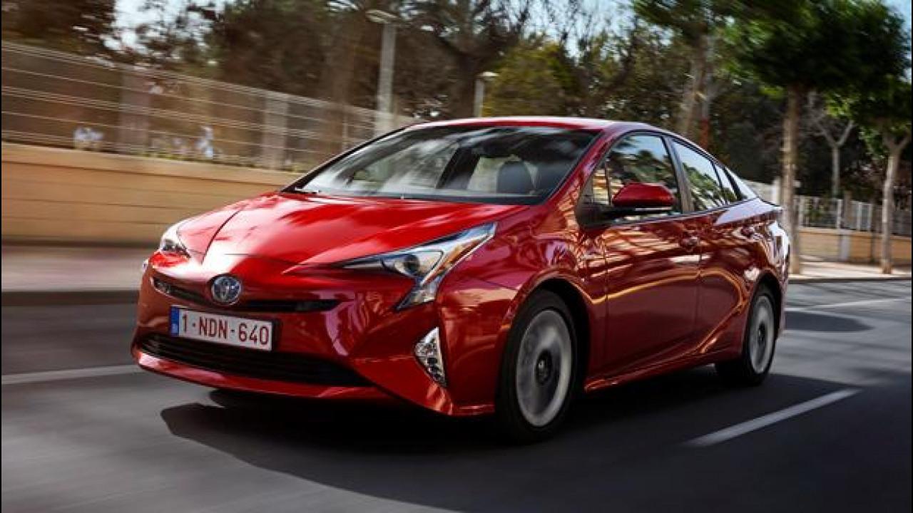 [Copertina] - Toyota Prius, il piacere mette la quarta