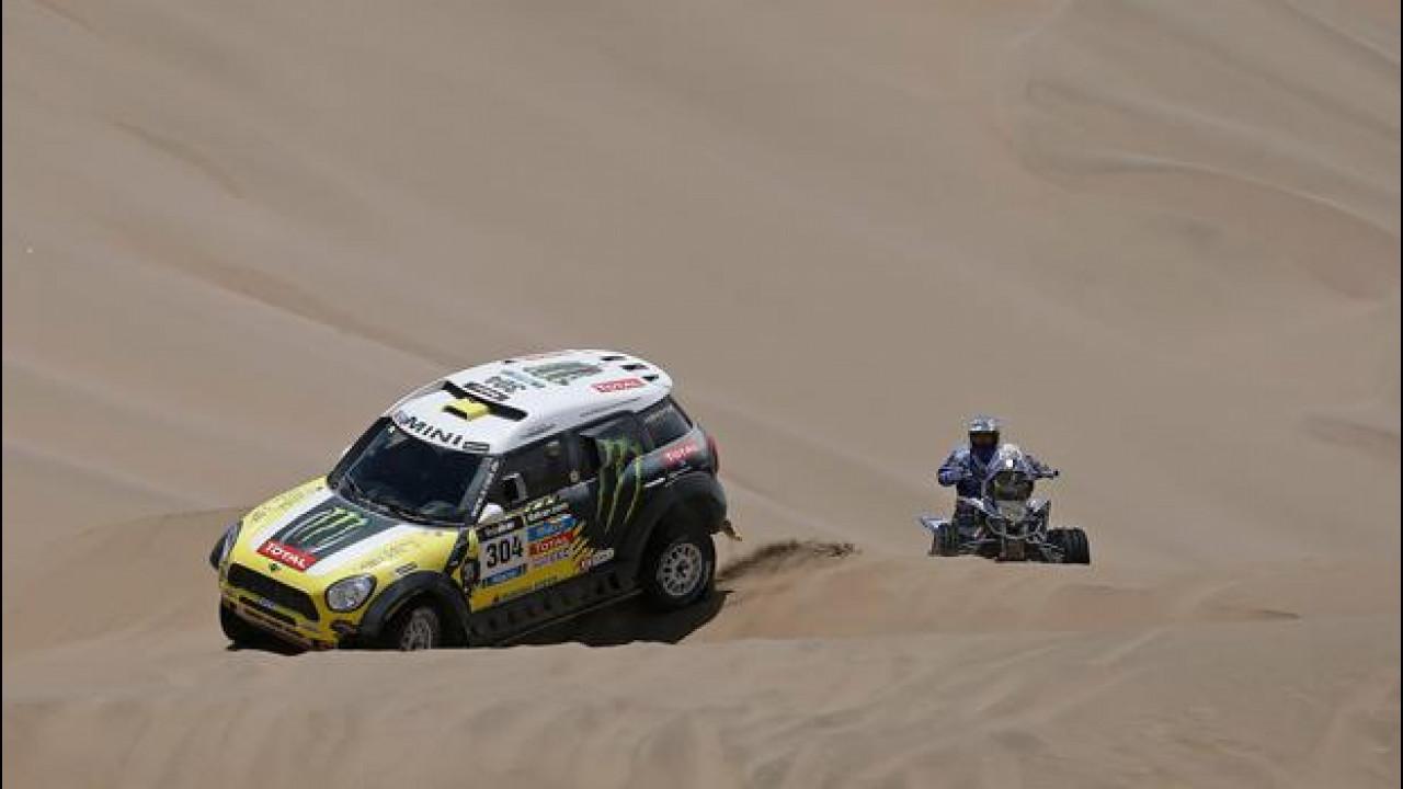 [Copertina] - Dakar 2014, Tappa 9: quattro MINI al comando