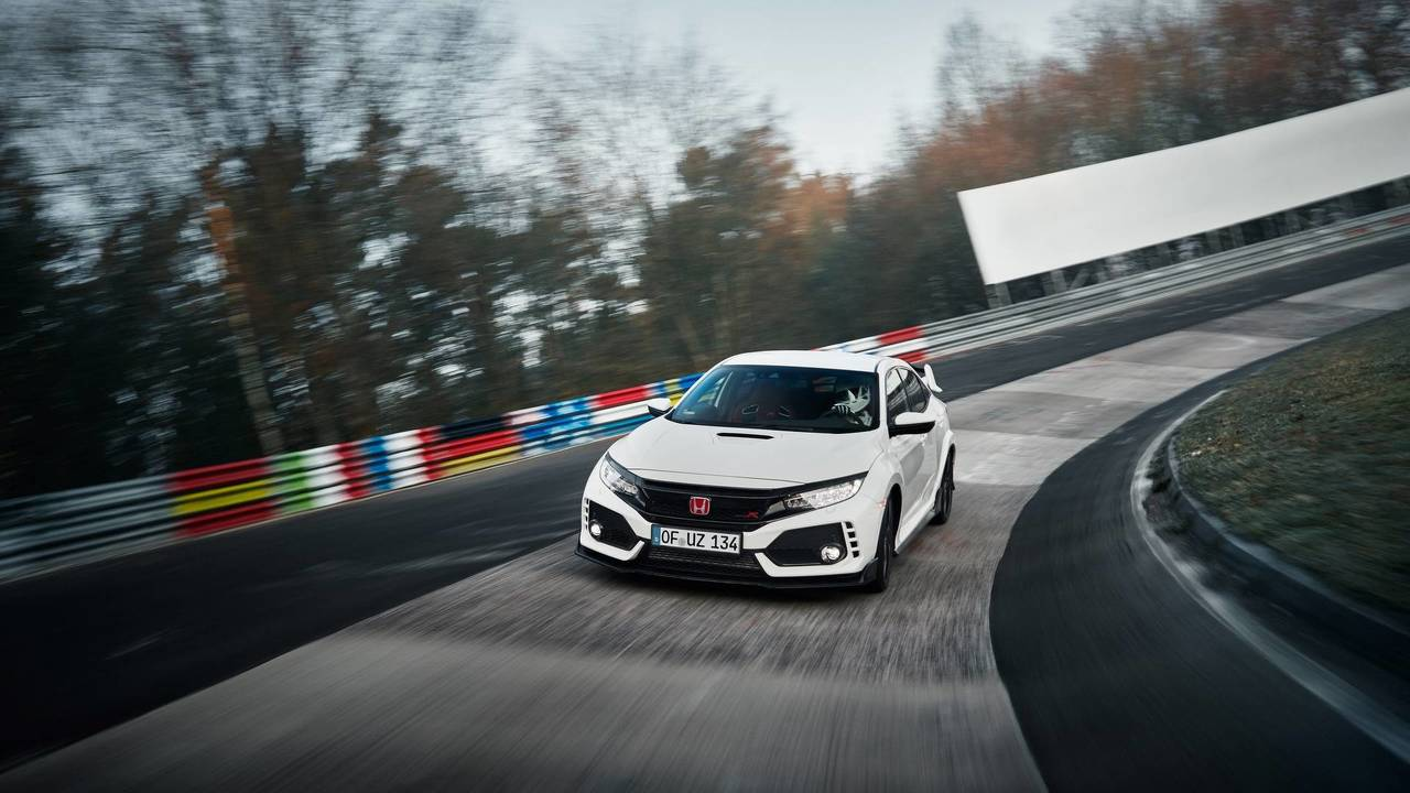 7. Honda Civic Type R: 2.0L turbocharged I4, 306 hp, 295 lb-ft