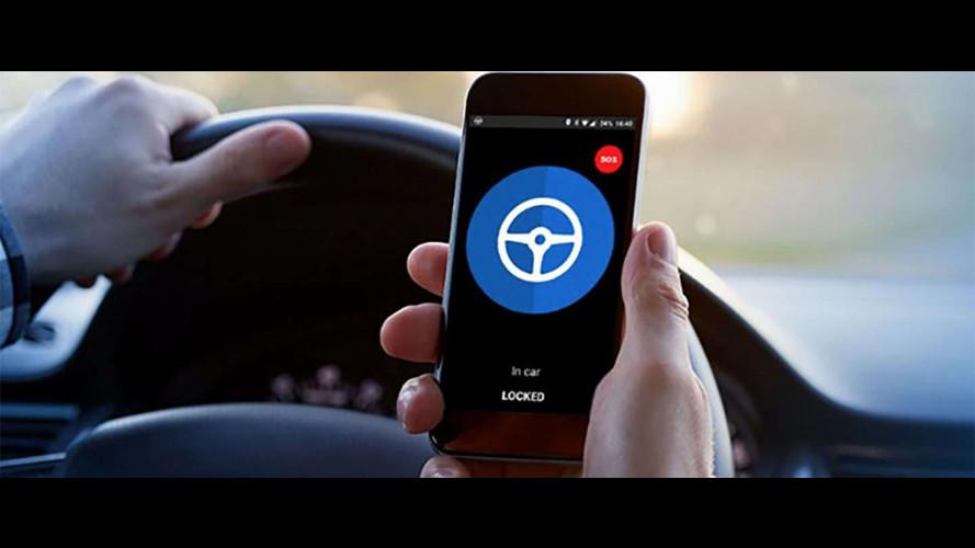 Auto aziendale, ecco il dispositivo anti-distrazione da smartphone