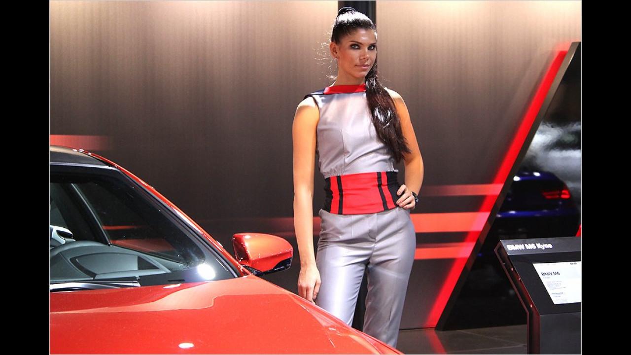 Mit einem BMW M6 kann man Frauen beeindrucken
