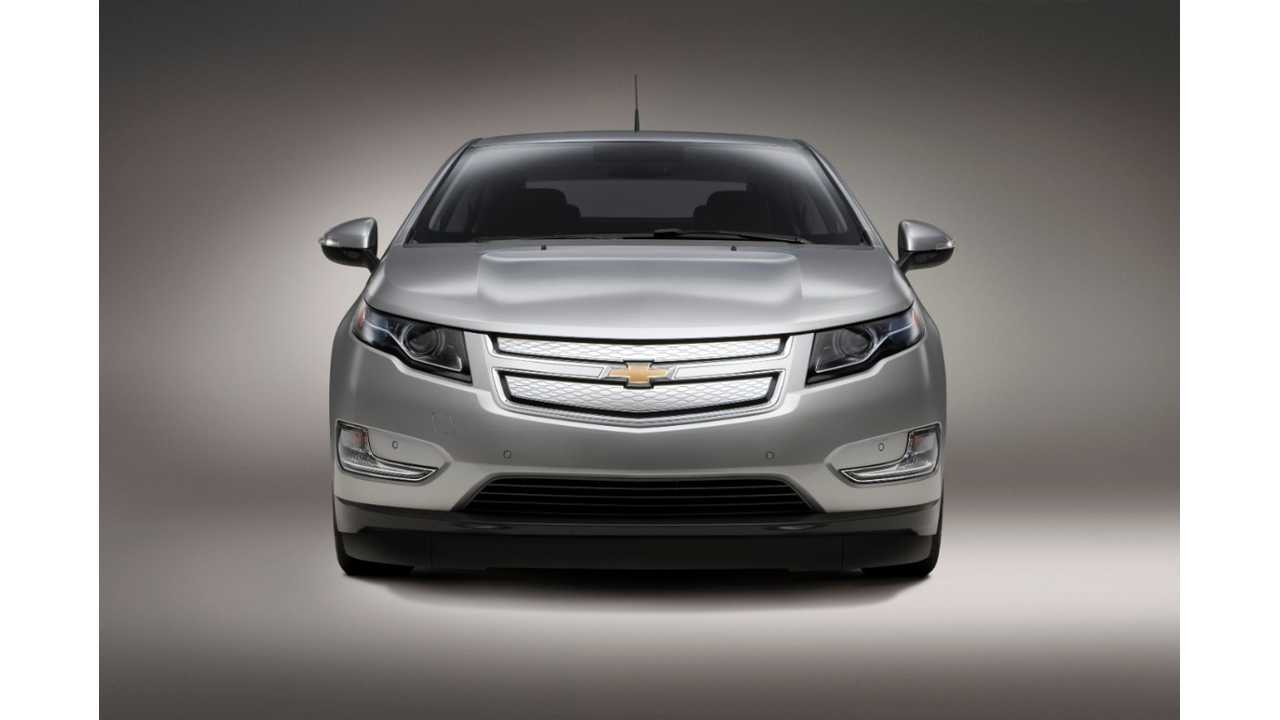 Canada Plug-In Electric Vehicle Sales October 2013 - Chevy Volt Still on Top