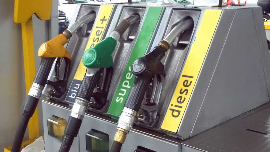 Prezzo benzina e Diesel, italiani tartassati dalle accise