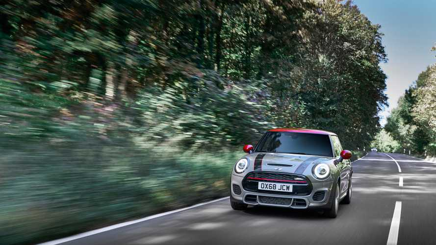 MINI Cooper JCW ve JCW Convertible