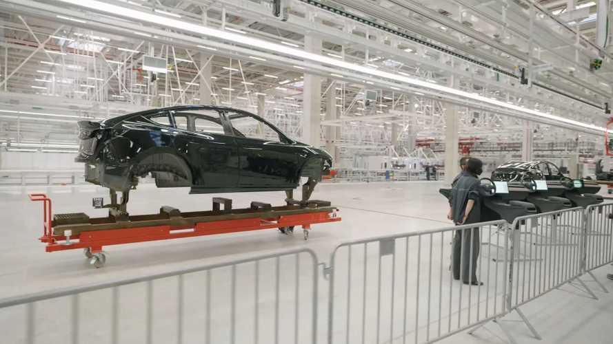Немецкий завод Tesla повременит со стартом производства