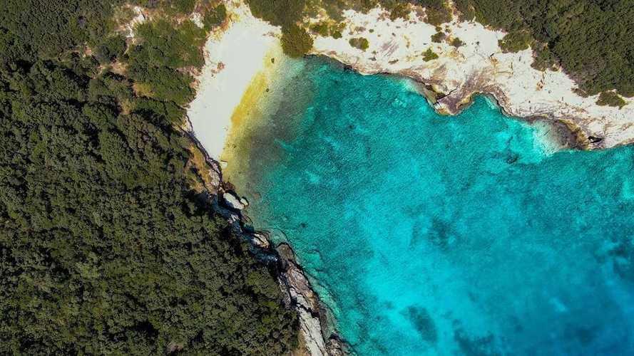 Hyundai e Healthy Seas ripuliscono il mare di Itaca