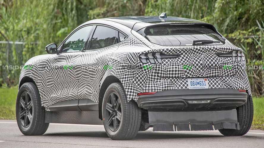 Мул–агрегатоноситель новых моделей Ford и Lincoln попал на фото