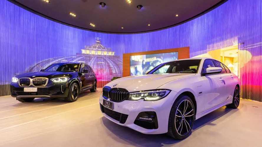 BMW rivoluziona i suoi concessionari (e prepara l'e-commerce)