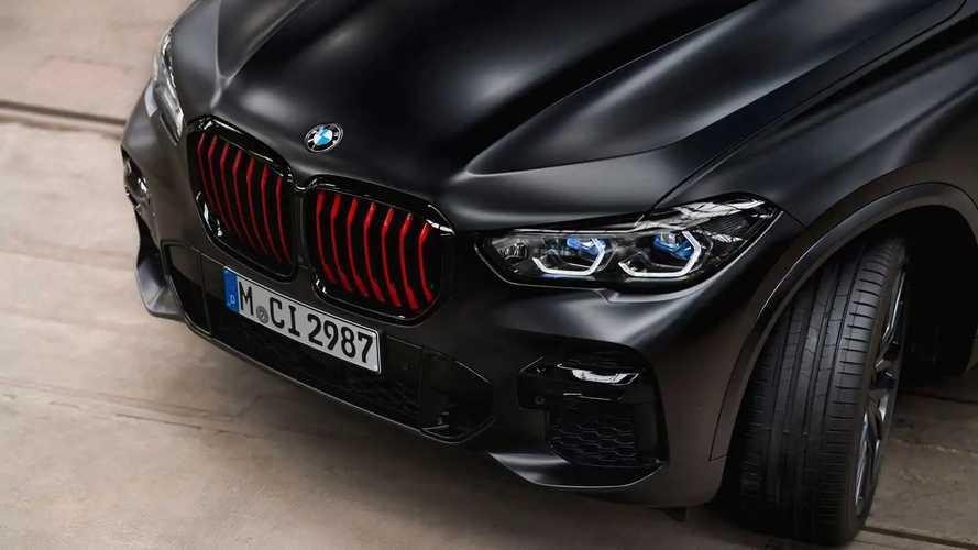 """BMW X5, X6 e X7, le edizioni speciali scelgono il """"lato oscuro"""""""