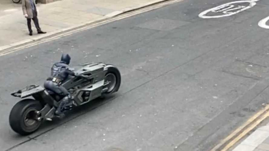 Take A Peek At Batman's Rad Batcycle In The Upcoming Flash Movie